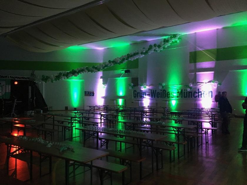 Dekorierte Sporthalle für das Fanfest am 20.01.2018
