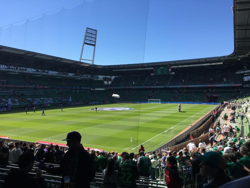 Blick auf das Spielfeld im Weserstadion